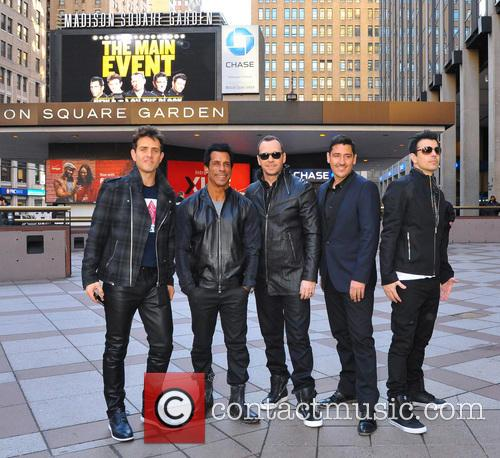 Joey Mcintyre, Danny Wood, Jordan Knight, Donnie Wahlberg and Jonathan Knight (nkotb) 5