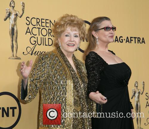 Debbie Reynolds and Carrie Fisher 1