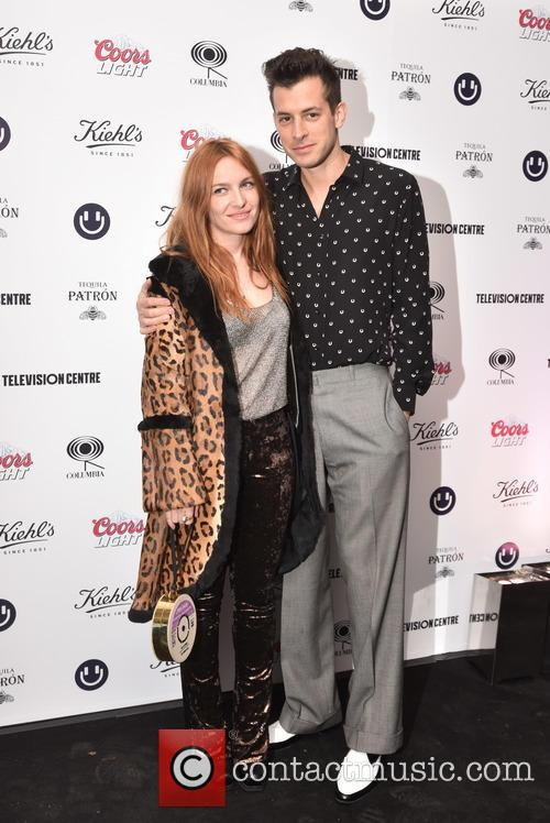 Josephine De La Baume and Mark Ronson 4