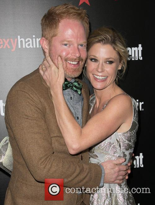Jesse Tyler Ferguson and Elizabeth Banks 1