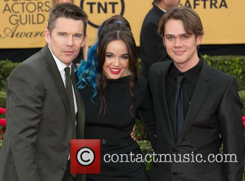 Ethan Hawke, Lorelei Linklater and Ellar Coltrane 9