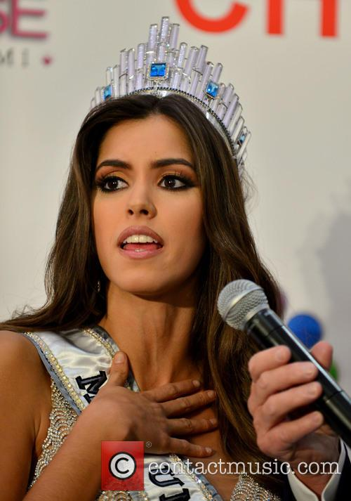 Miss Colombia and Paulina Vega 7