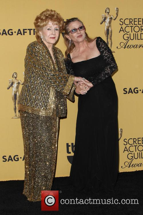 Debbie Reynolds and Carrie Fisher 4