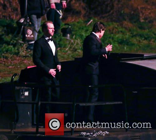 Tom Cruise and Simon Pegg 11