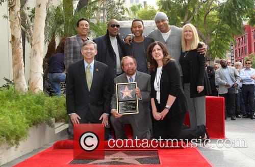 Smokey Robinson, Stevie Wonder, John Legend, Ll Cool J, Leron Gubler and Ken Ehrlich 3