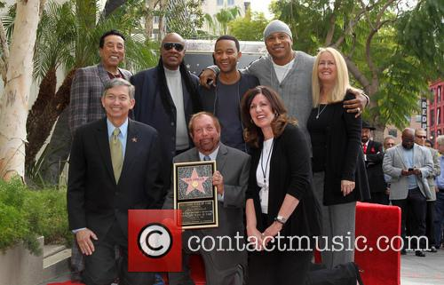 Smokey Robinson, Stevie Wonder, John Legend, Ll Cool J, Leron Gubler and Ken Ehrlich 1