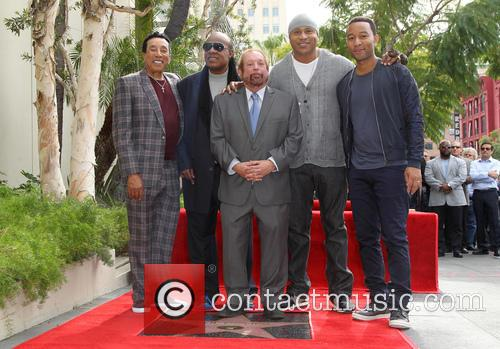 Smokey Robinson, Stevie Wonder, Ll Cool J, John Legend and Ken Ehrlich 2