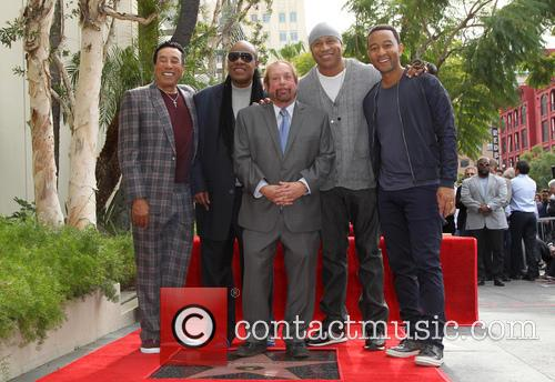 Smokey Robinson, Stevie Wonder, Ll Cool J, John Legend and Ken Ehrlich 5