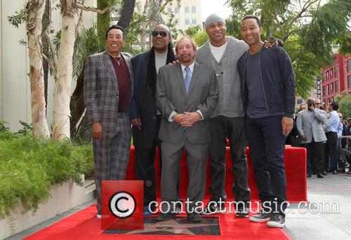 Smokey Robinson, Stevie Wonder, Ll Cool J, John Legend and Ken Ehrlich 7