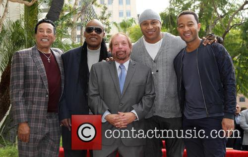 Smokey Robinson, Stevie Wonder, Ll Cool J, John Legend and Ken Ehrlich 9