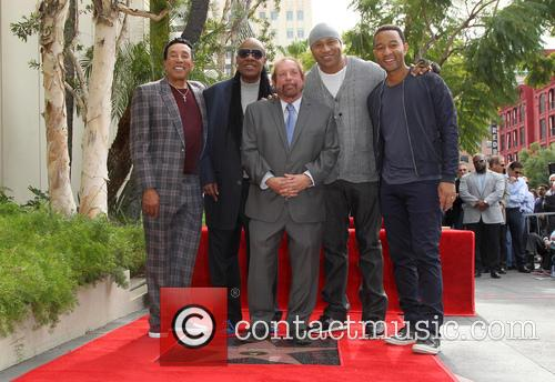 Smokey Robinson, Stevie Wonder, Ll Cool J, John Legend and Ken Ehrlich 11