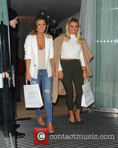 Sam Faiers and Billie Faiers 2