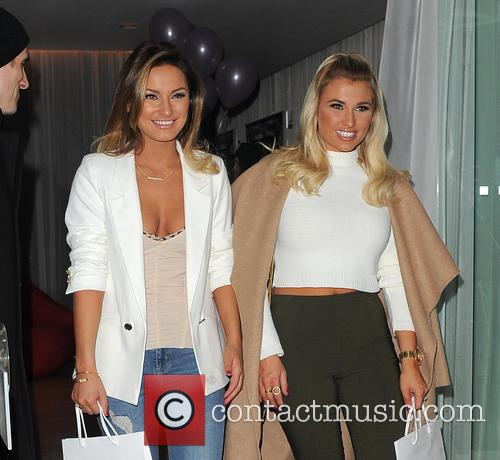 Sam Faiers and Billie Faiers 3