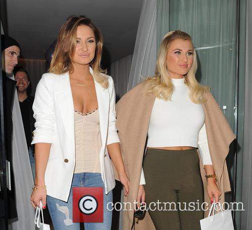Sam Faiers and Billie Faiers 6