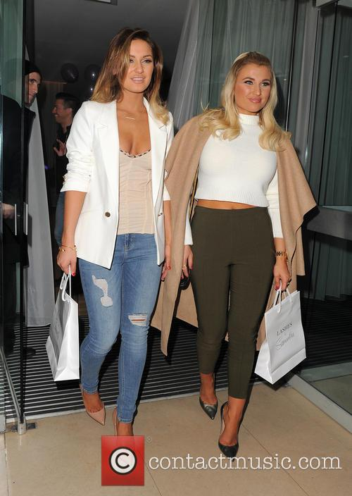 Sam Faiers and Billie Faiers 7