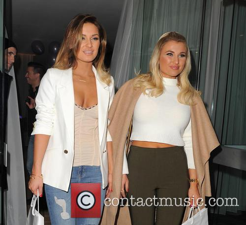 Sam Faiers and Billie Faiers 8