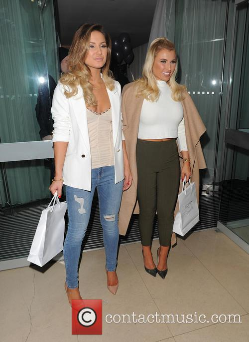 Sam Faiers and Billie Faiers 9