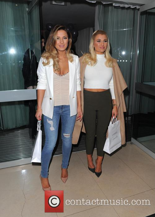 Sam Faiers and Billie Faiers 10