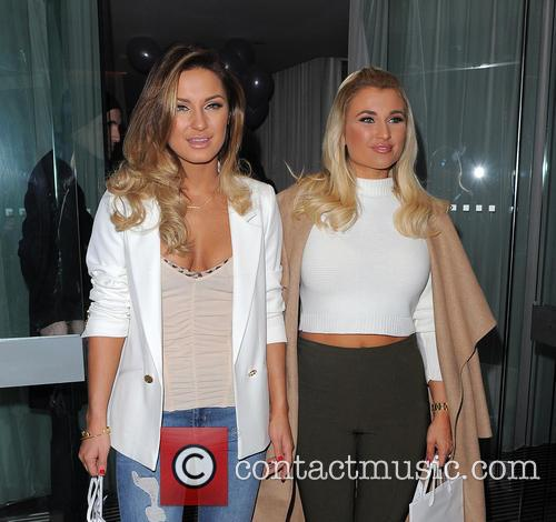 Sam Faiers and Billie Faiers 11