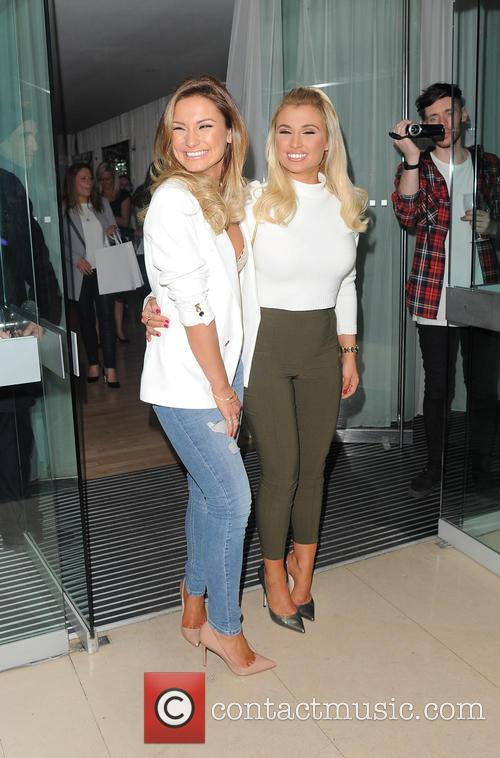 Sam Faiers and Billie Faiers 1