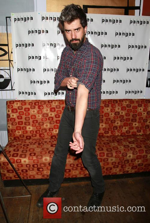 Hamish Linklater 2