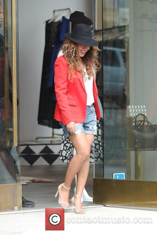 beyonce beyonce leaving alice amp olivia store in west