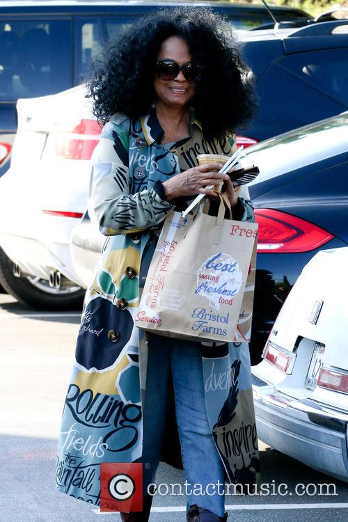 Diana Ross shopping at Bristol Farms