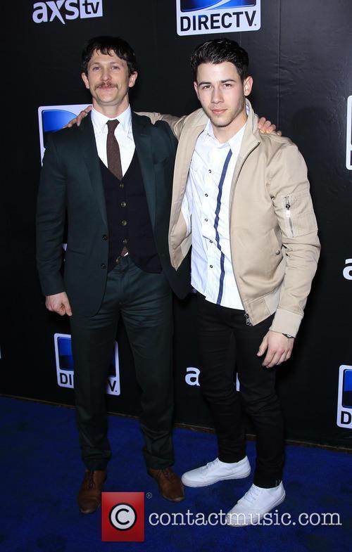 Jonathan Tucker and Nick Jonas 4