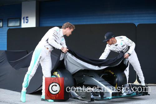 Nico Rosberg and Lewis Hamilton 4