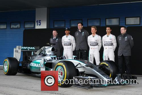 Paddy Lowe, Lewis Hamilton, Toto Wolff, Nico Rosberg, Pascal Wehrlein and Andy Cowell 1
