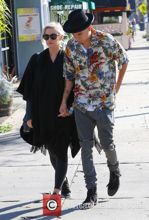 Ashlee Simpson and Evan Ross 4