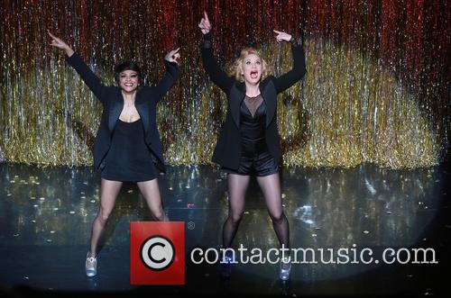 Carly Hughes and Jennifer Nettles 10