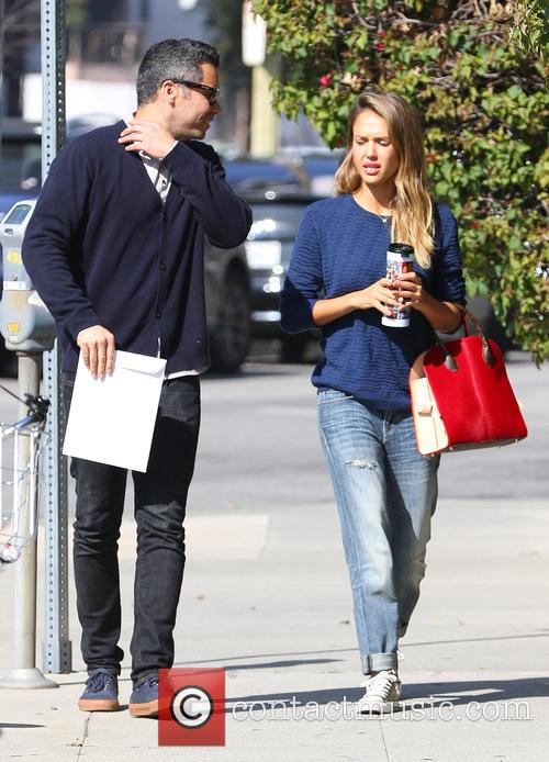 Jessica Alba and Cash Warren grab lunch after...