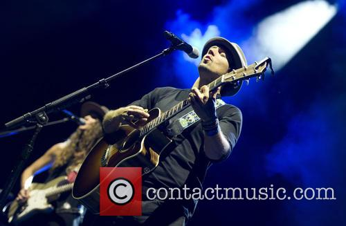 Jason Mraz performs at the Ziggo Dome