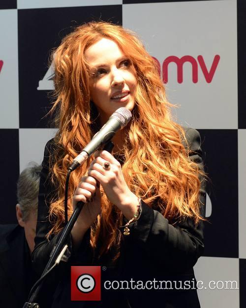 Lisa Lambe 7