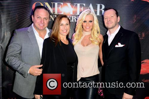 Gino Lopinto, Yvonne Lopinto, Jenny Mccarthy and Donnie Wahlberg 2