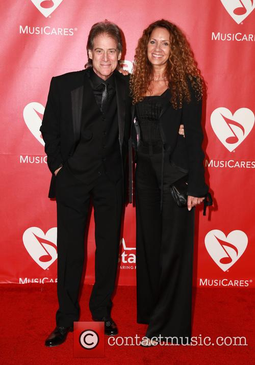 Joyce Lapinsky and Richard Lewis 5