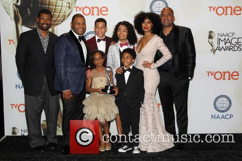 Anthony Anderson, Tracee Ellis Ross, Marcus Scribner, Marsai Martin, Miles Brown and Yara Shahidi 6