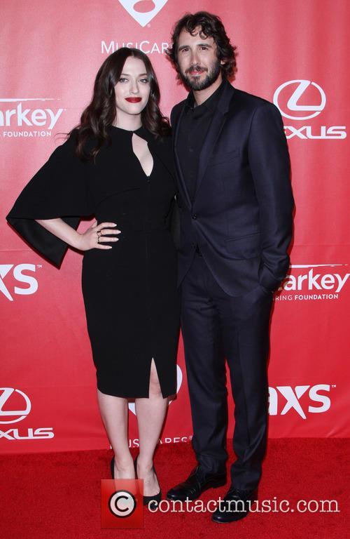 Kat Dennings and Josh Groban 6