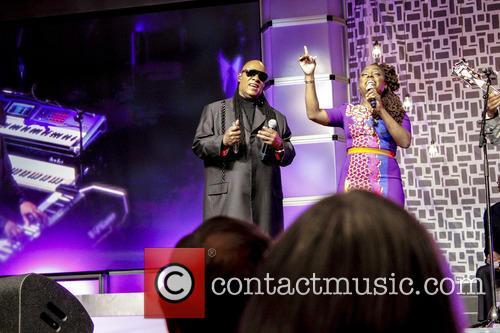 Stevie Wonder and Ledisi 5