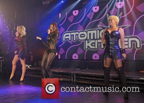 Atomic Kitten, Liz Mcclarnon, Natasha Hamilton and Kerry Katona 7