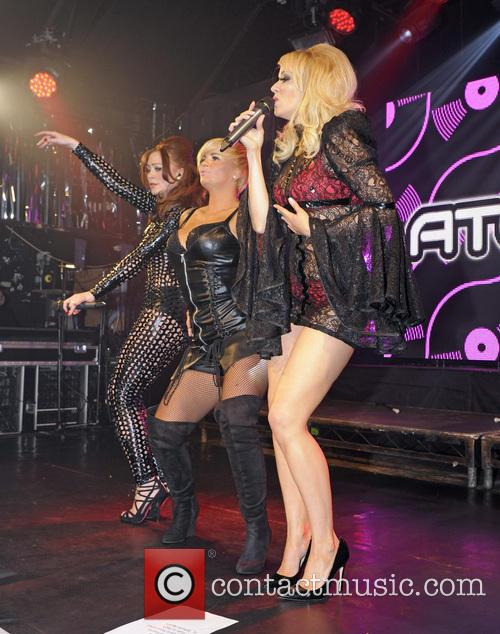 Atomic Kitten, Liz Mcclarnon, Natasha Hamilton and Kerry Katona 10