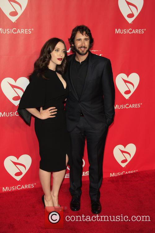 Kat Dennings and Josh Groban 8