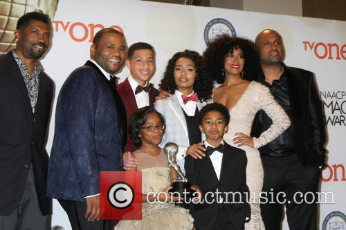 Anthony Anderson, Marcus Scribner, Yara Shahidi, Tracee Ellis Ross, Marsai Martin and Miles Brown 4
