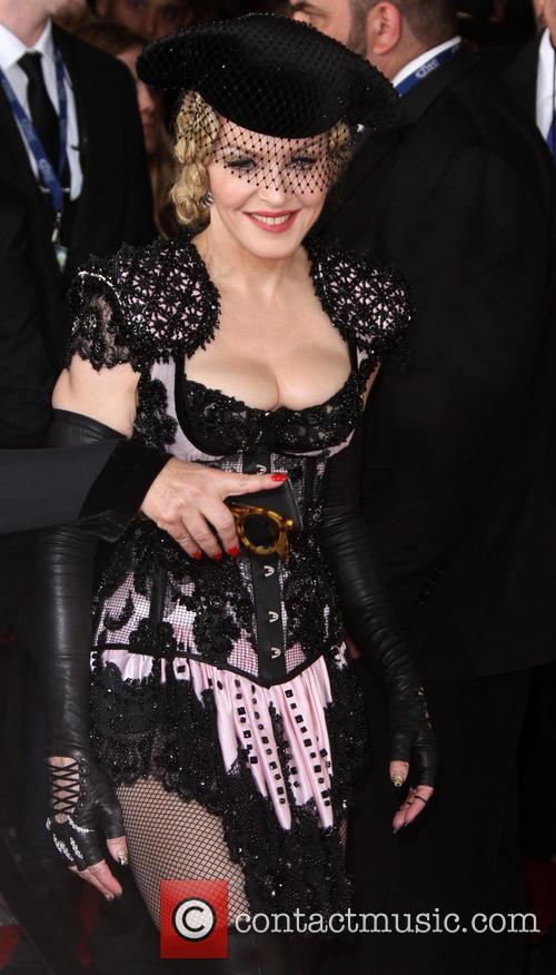 Who Is Elton John Hookup Divas Valentines