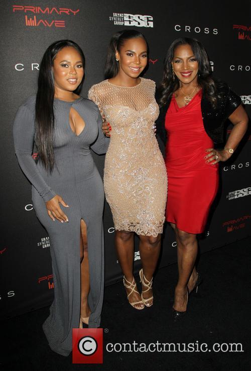 Kenashia Douglas, Ashanti and Tina Douglas 7