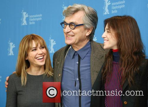 Marie-josée Croze, Wim Wenders and Charlotte Gainsbourg 4