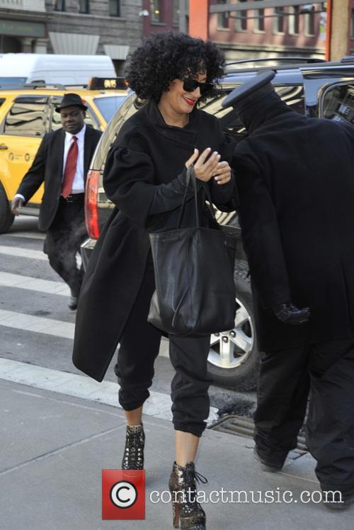 Tracee Ellis Ross entering her hotel