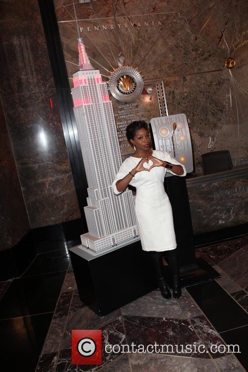 Estelle illuminates the Empire State Building in red...
