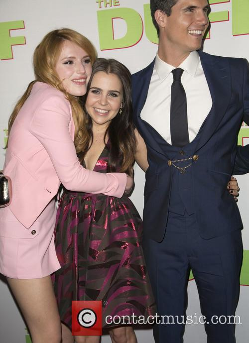 Bella Thorne, Mae Whitman and Robbie Amell 8